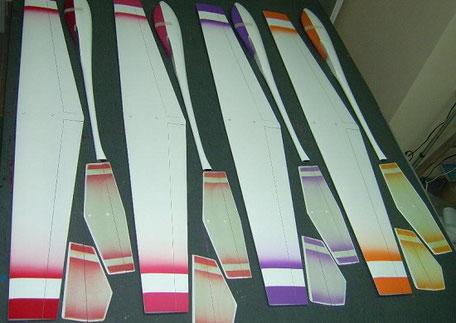 extrados de 4 planeurs coquillajs Aeromod blanc-rouge, blanc-rose, blan-milka, blanc-orange