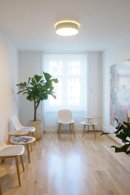 OnPoint Medizinische Massage Praxis Zürich / Wartezimmer