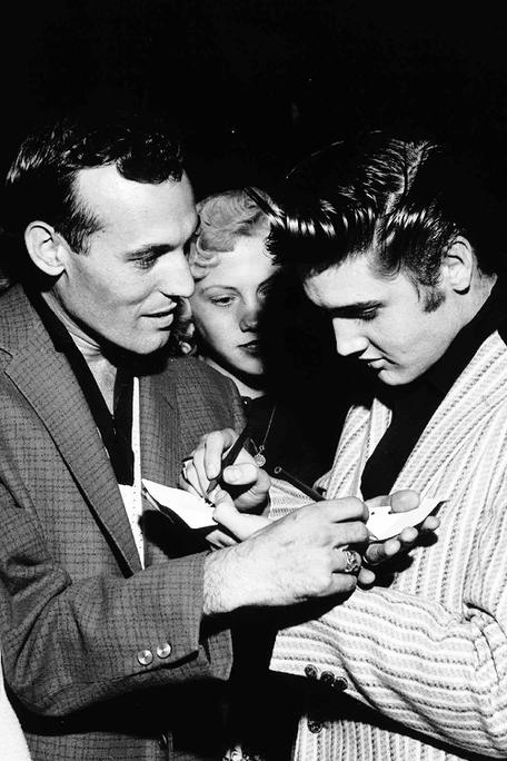 Carl et Elvis.