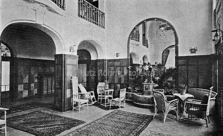 Die Kuranstalt Berolinum an der Lankwitzer Leonorenstraße. Historische Ansicht der Empfangshalle im alten Kurhaus.