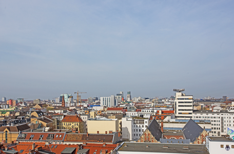 Dach der Lützowstraße. Zwölf - Apostel - Kirche und Tagesspiegel - Haus