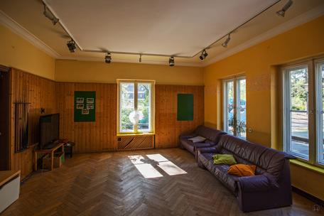 Lortzingclub in Berlin - Lichtenrade. Blick ins ehemalige zweite Büro.