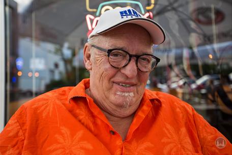 Nero Brandenburg bei unserem Interview im Flame Diner