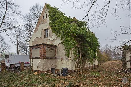 Berlin Lichtenrade Lichtenrader Damm verlassenes Haus Ruine Gartenseite