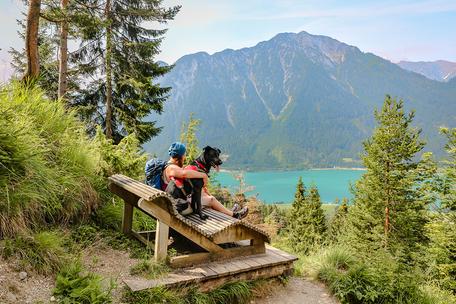 Achensee Dalfalzer Wasserfall Tirol Bergurlaub mit Hund Urlaub mit Hund Wandern mit Hund