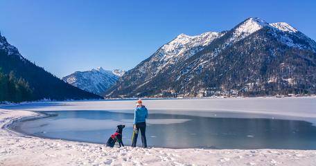 Plansee Tirol Wandern mit Hund Bergurlaub mit Hund Seen Tirol