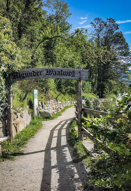 Start Algunder Waalweg Algund Südtirol