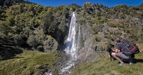 Partschinser Wasserfall Meran Südtirol Wandern mit Hund Bergurlaub mit Hund
