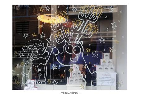 Dirk Van Bun Communicatie & Vormgeving - Illustraties - originele tekening - etalage cartoons - krijtstiften - Lommel - Verlichting