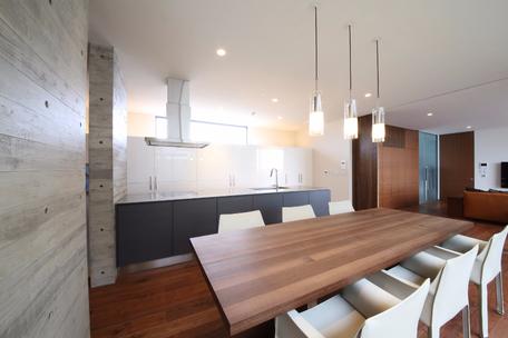 家電製品が見えないキッチン設計