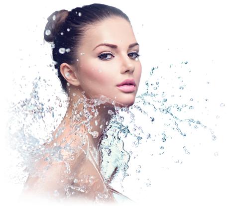 Frau mit Wassersplash