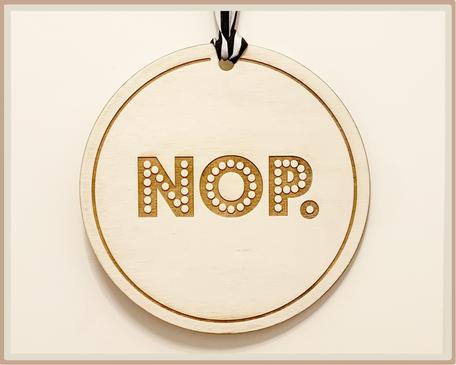 Schild mit Gravur NOP