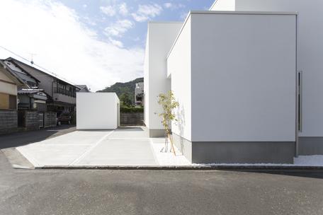 箱倉庫とハコイエの画像