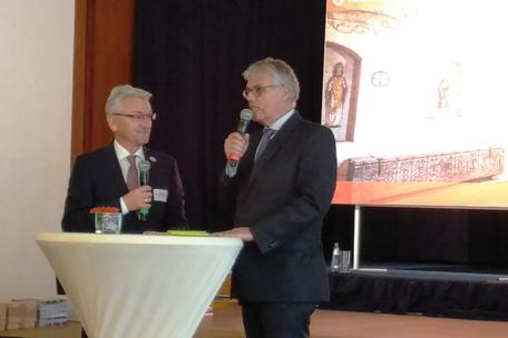 Dieter Hütte, Geschäftsführer der TMB, moderiert den Tourismustag 2017