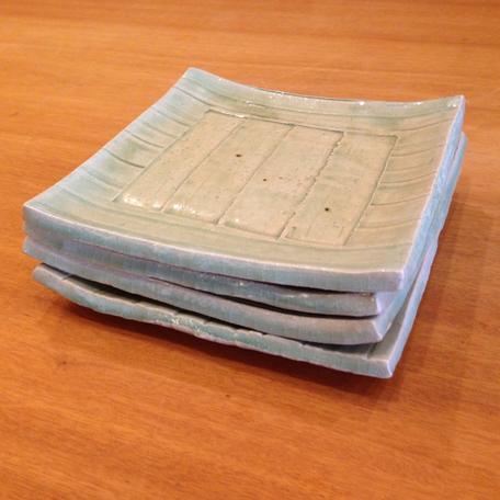 土。食器。自然素材。大阪府吹田市の木の家ならWASH建築設計室。