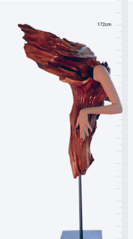 Zirbenskulptur: Feminin