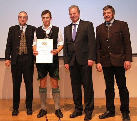 Verleihung Meisterbrief, Markus Ganal, AELF, Berufsausbildung, Landwirtschaft