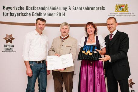 Bayerische Obstbrandprämierung, 4x Gold Hof Ganal, Staatsehrenpreis, Schnaps, Obstbrand