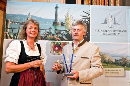 beste Schnapsbrenner Lindau: Ulrike und Peter Ganal, Obstbrände, Prämierung, Schnaps