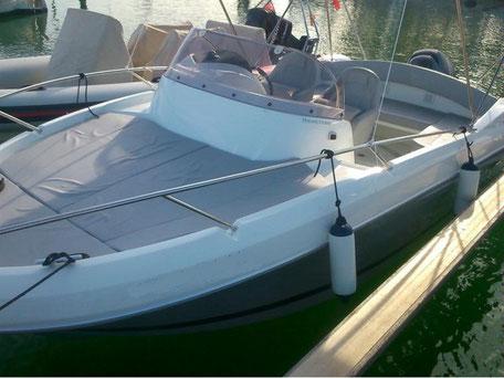 Louer un bateau Bénéteau Flyer 650 Sun Deck avec un 175 cv Yamaha chez Mistral plaisance Location au départ du Lavandou