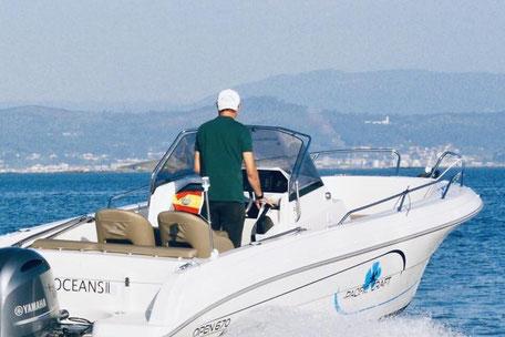 Louer un bateau Bormes Pacific Craft 670 avec un 150 cv Yamaha chez Mistral plaisance Location au départ du Lavandou