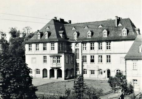 """Die """"Neue Schule"""" Quelle: Bildarchiv der Gemeinde Burkhardtsdorf"""