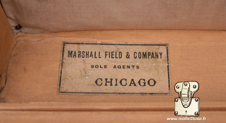 Etiquette agent Louis Vuitton malle :  Marshall field & company  sole agents  CHICAGO