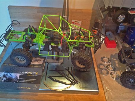 Abbildung: selbstgebautes Chassis und Rahmen inkl. crawlster BTA Lenksystem