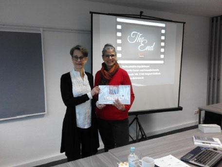Rechtsanwältin Anja Bollmann mit Petra Eberhart