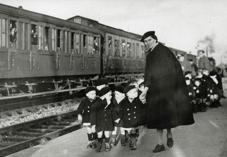 Évacuation des enfants de la Poche de St Nazaire