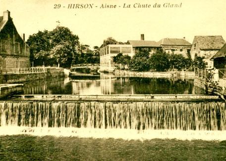 Seuil Pasteur, Hirson. Ancienne carte postale.