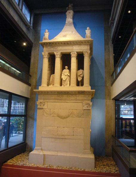 Grabmal des römischen Veteranen Poblicius (Foto: Archiv Willms)