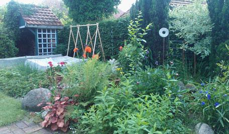 Gartenpflege und -gestaltung - Stauden- und Gemüsebeet