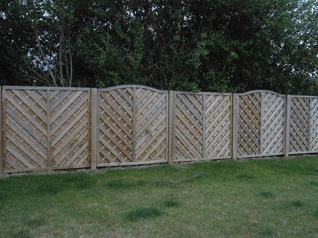 CAZORLA TP : Pose de clôtures extérieures en bois