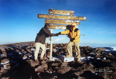 Erleben Sie mit dem Reiseleiter Thorsten Hansen, die Besteigung de Kilimanjaro in Tanzania. Auf dem höchsten Gipfel Afrikas