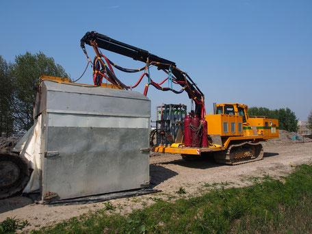 Liebherr SR714 Schweißraupe mit einem Zelt zum Schweißen und Prüfen von Pipelines,  © Alf van Beem,