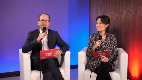 Festivalleiter Oliver Langewitz und Festivalmanagerin Nadine Knobloch führten durch die Award Show.