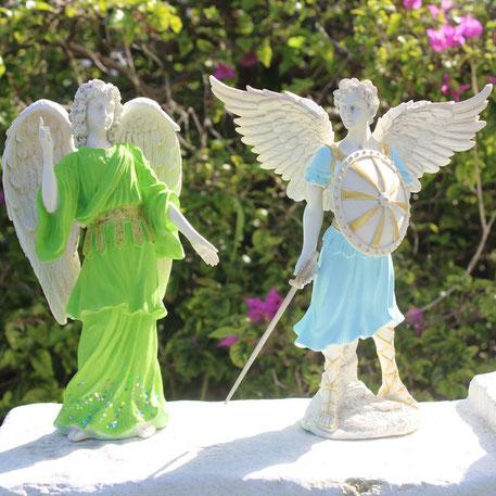 estatuilla del arcangel rafael, angel rafael, archangels figurines, figuras del arcangel, figuras de angeles, arcangel miguel, arcangel uriel, gabriel,