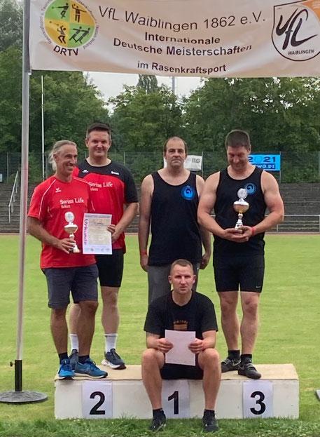 Dassiegreiche Phoenixteam (schwarze Trikots): Mitte Stefan Münch, rechts Hendrik Szabó, sitzend Mauk Arendt!