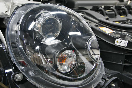 ミニのヘッドライトコーティング完成 埼玉の車磨き専門店