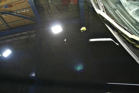 BNR34Mスペックのボンネット傷消し磨き
