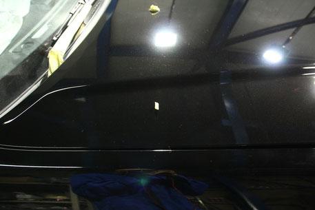 BNR34 ボンネットの磨き後 白ボケ