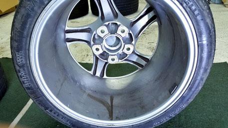 ポルシェ996ターボのホイール洗浄 ブレーキダストの固着 所沢 上尾 狭山 和光 川口 鉄粉除去
