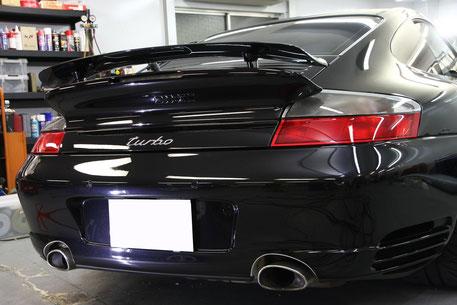 996ターボのボディコーティング後 バサルトブラックの艶