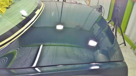 ジャガーXJ8の磨き後 トランクの白ボケ改善 ソリッドカラーの研磨 レーシンググリーンの艶