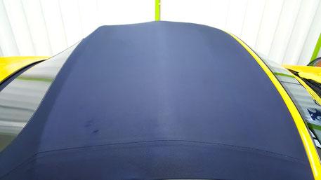ボクスターの幌洗浄後 青が濃く