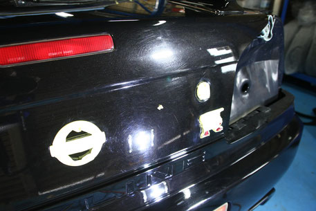 BNR34黒のトランクの傷・色褪せ スカイライン