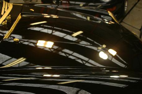 993Rボンネット磨き後 黒い車の傷改善・補修 埼玉の車磨き専門店