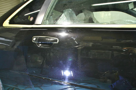 BNR34GT‐R黒のドアの傷