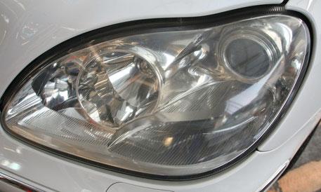 埼玉の車磨き専門店 ヘッドライト磨きでS500入庫